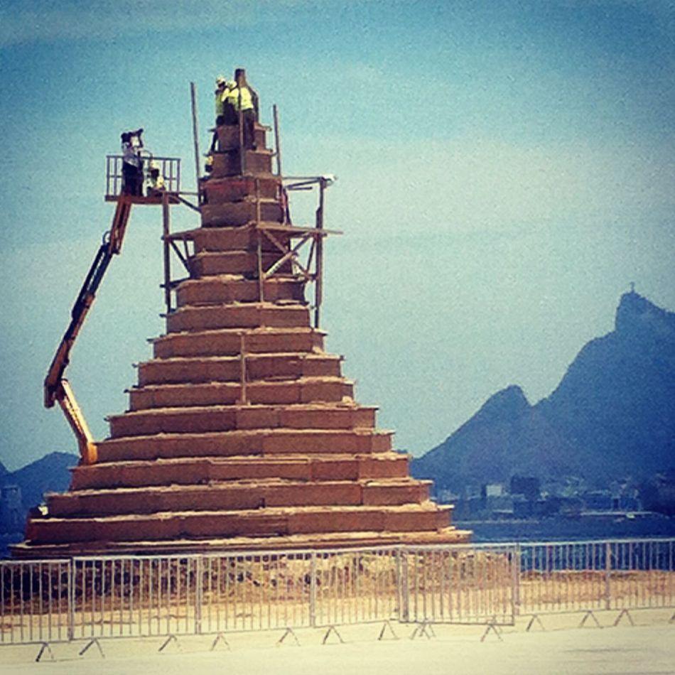 Maior castelo de areia do mundo....