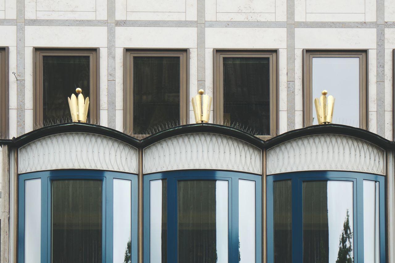 drei krönchen.... 4711 - Kölnisch Wasser Open Edit Fresh2 Summer2015 Looking Up Köln Großstadtgeschichten