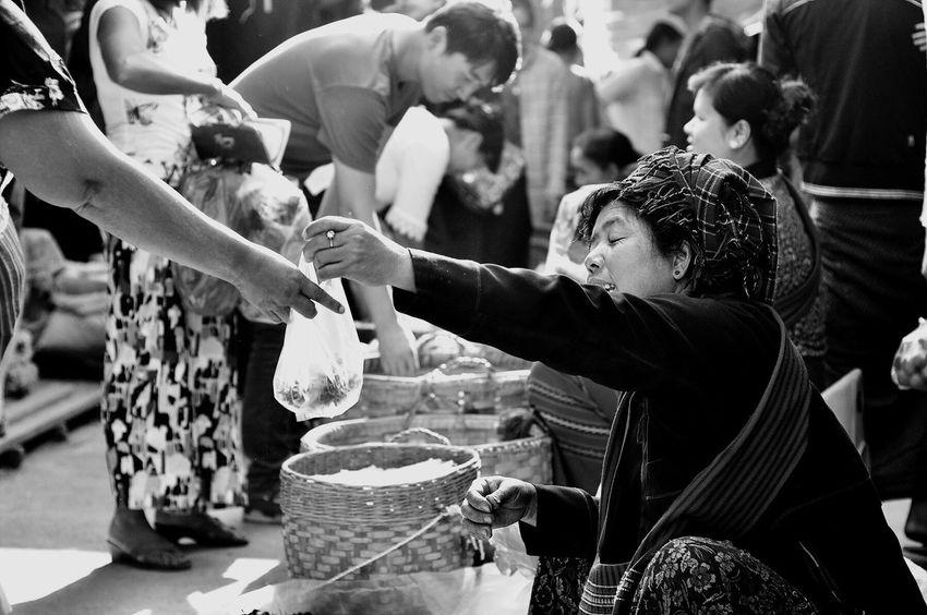 Oksk Nyaungshwe Myanmar Inle Lake Photopackers Mingalarmarket