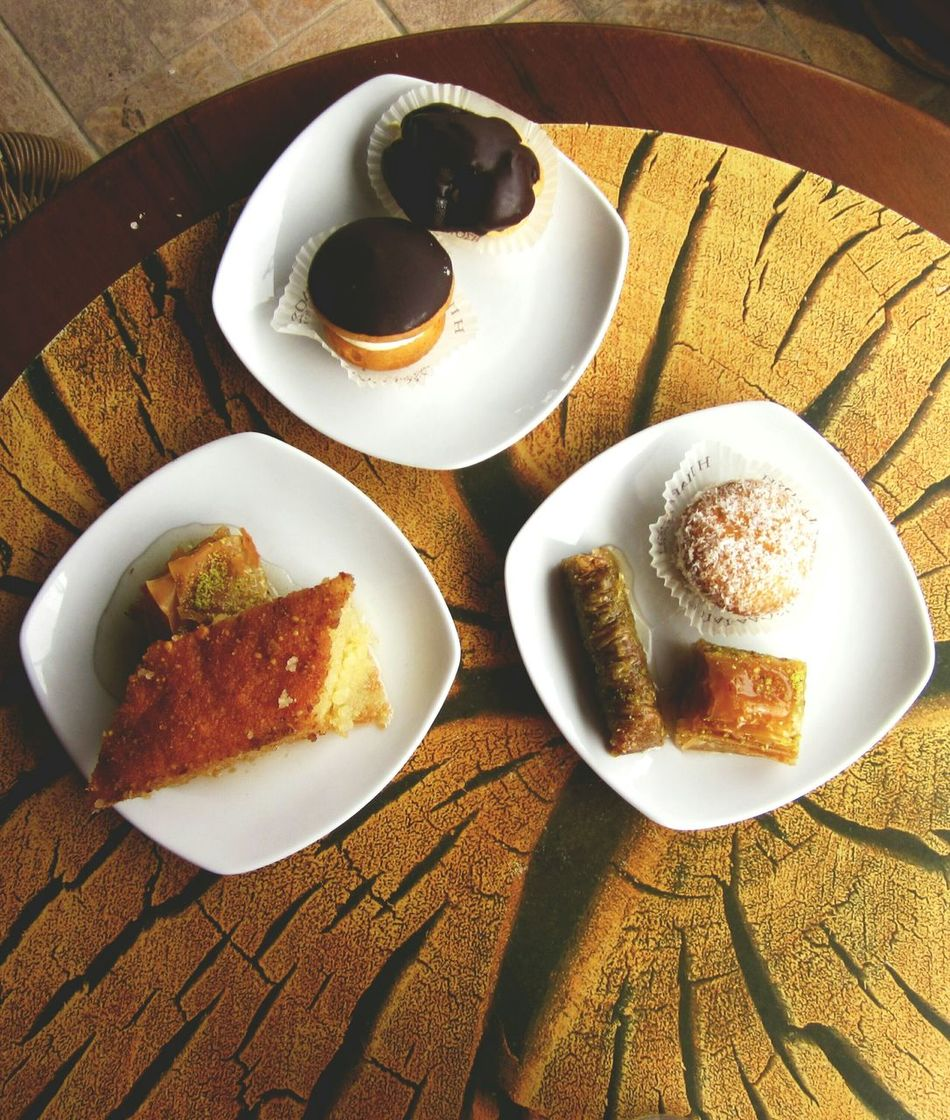 🇬🇷🇹🇷 High Angle View View From Above Turkish Style  Turkish Culture Turkish Sweets Sweettooth Patisserie On A Plate Yummyinmytummy In My Mouf Enjoying Life Three Plates