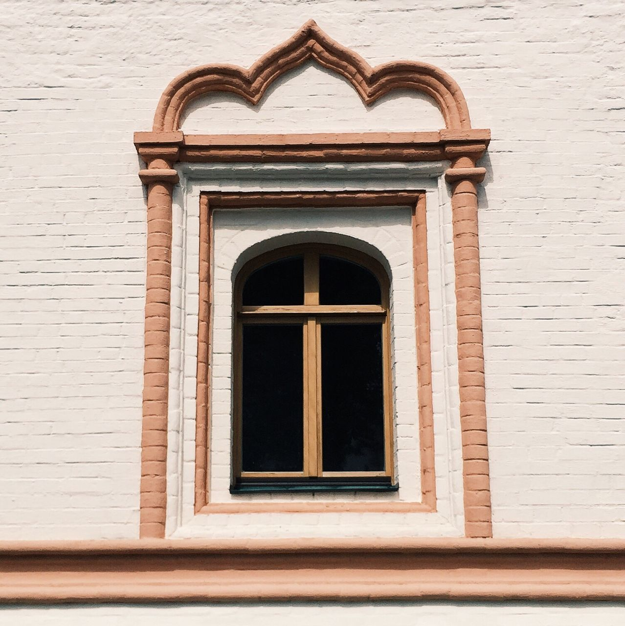 window, building exterior, architecture, built structure, day, no people, outdoors, arch