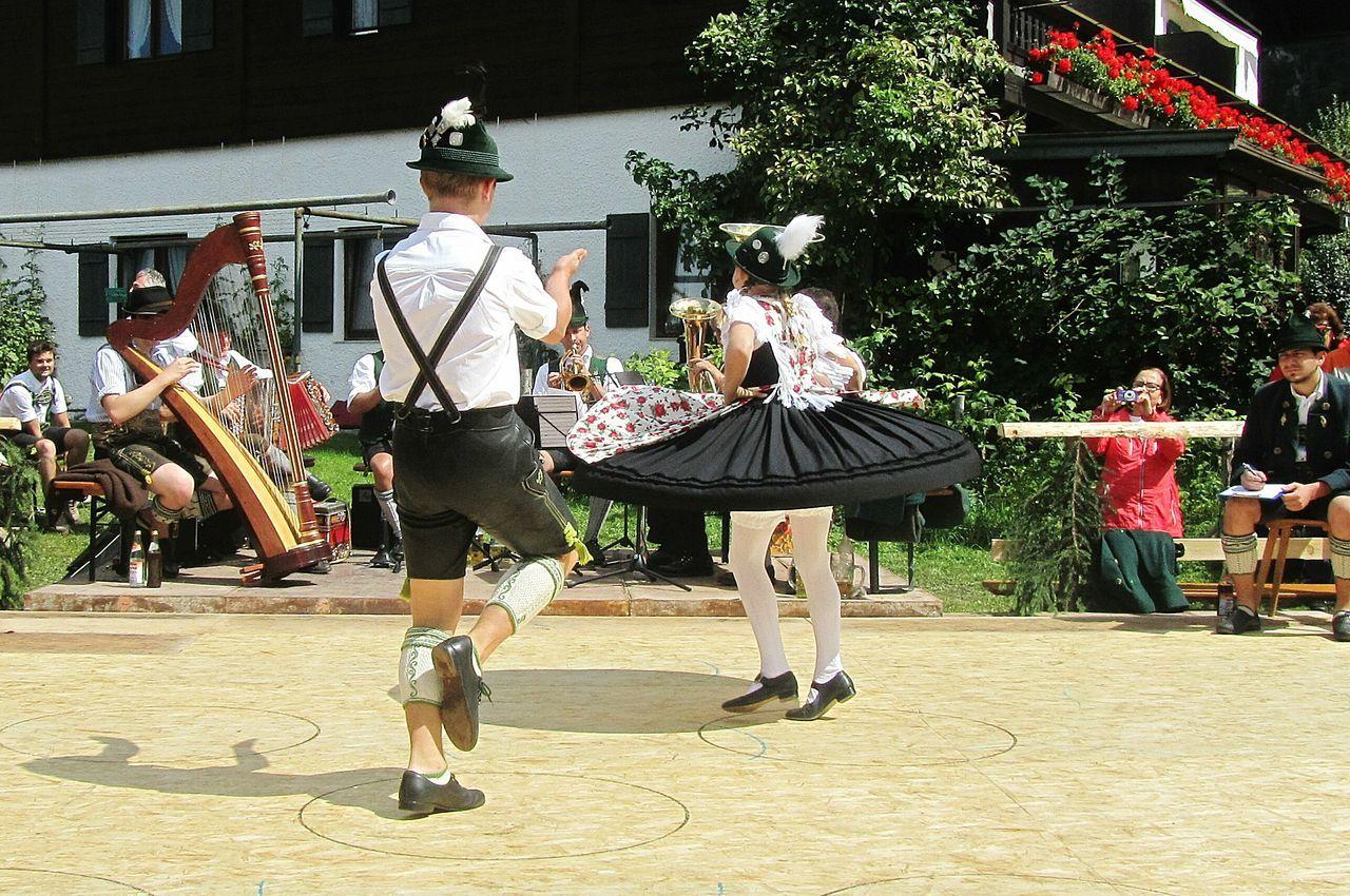 Unterwössener Trachtenverein Traditional Culture Traditional Clothing Tanzen Schuhplattling Travel Photography Summer Views Taking Photos Hello World Bayern Germany Bavarian Tradition