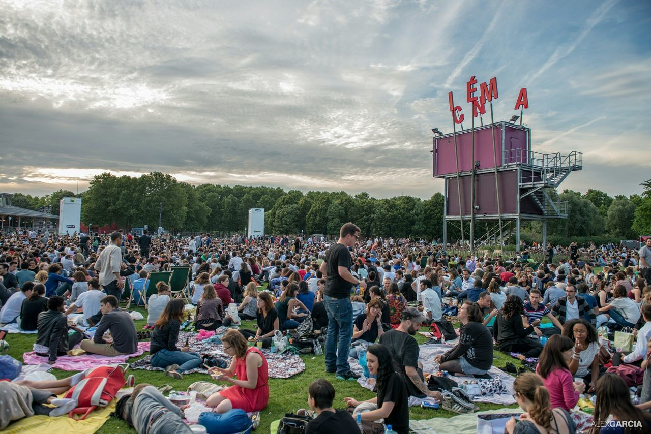 Cinema En Plein Air Parc De La Villette Parisian Paris, France  Paris The Street Photographer - 2015 EyeEm Awards La Villette EyeEm Best Shots Eyeemfrance Eyeemphotography