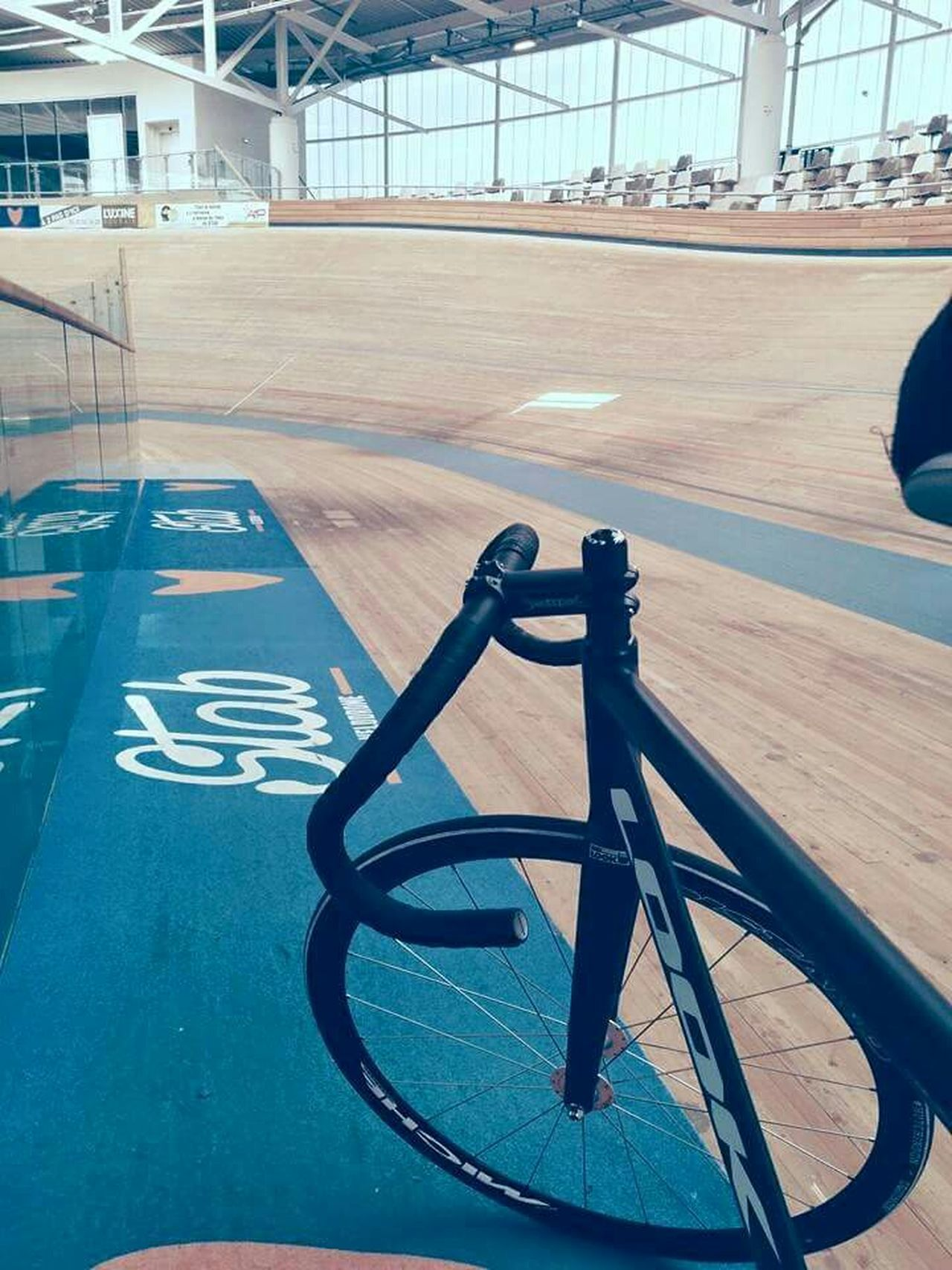 Learn & Shoot: Leading Lines My Bycle Velodrome Riggins Athelete Record Fixie Piste