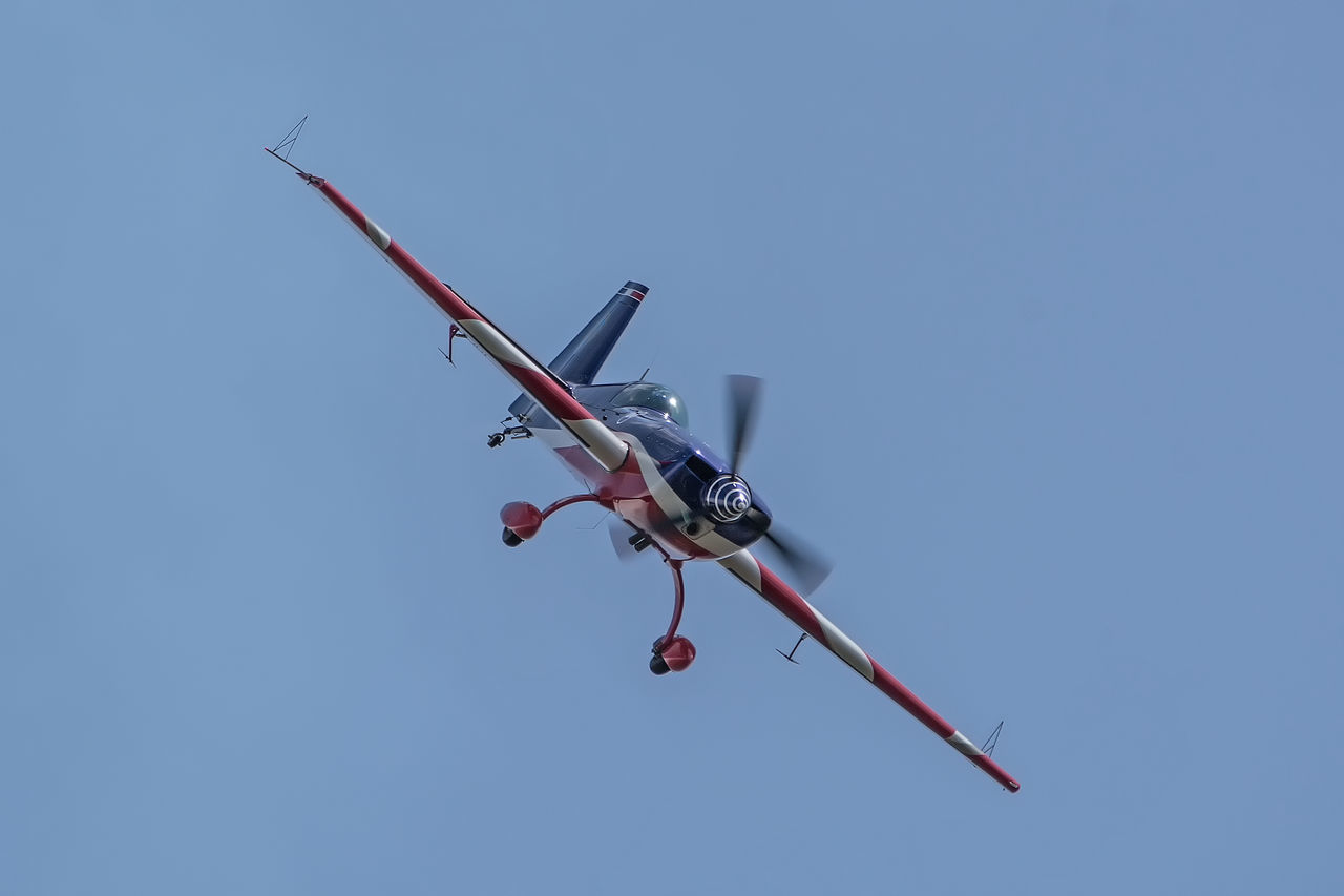 Acrobatics  Aircraft Airplane Airshow Blue Close-up Day Extra EA-330SC Flying Flying Spirit à Biscarrosse 2016 Low Angle View Nature No People Outdoors Show Sky Smoke Sport Sports