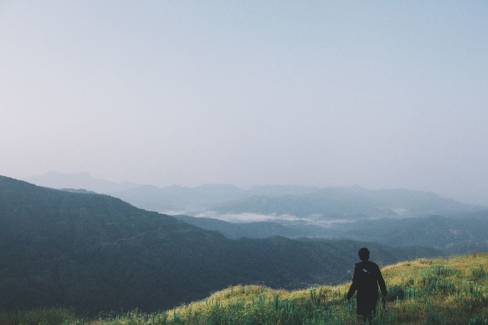 Traveling tends to magnify all human emoitions. Explore Mahabaleshwar Mist Mountains