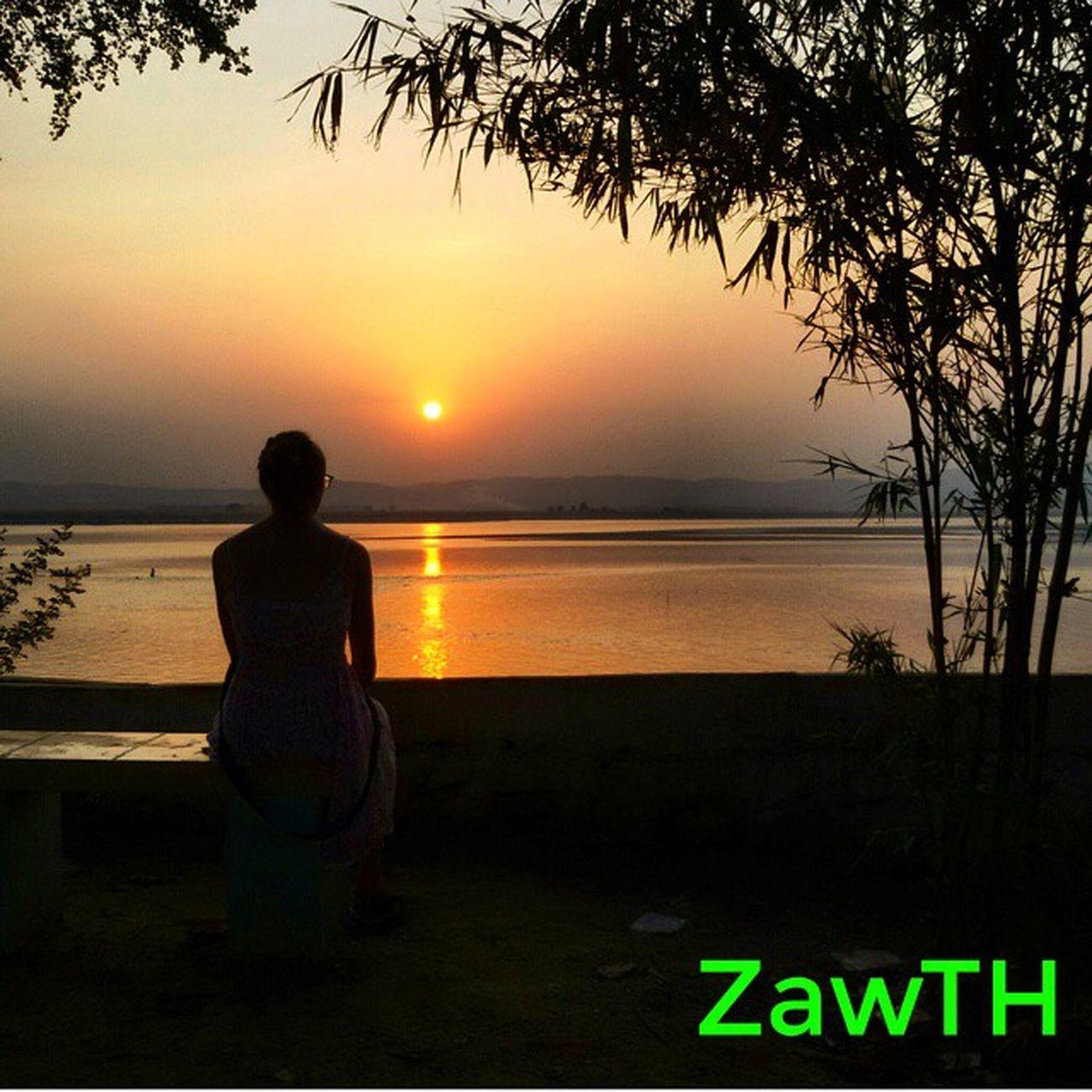 By taking oaths in God´s name..... I say that I had waited till the sunset.... ဘုရားစူး ၿပီးေျပာပါရ ေသာ္..... ေနဝင္သည့္ တိုင္ ေစာင့္ခဲ့သည္သာ .... Sunsetaroundtheworld Sunset Mandalay Myanmar Bumra Igersmyanmar Igersmandalay Myanmarphotos Vscomyanmar Exploremyanmar Goldenland Ayeyarwaddy Irrawaddy Bsn_sky Bsn_reflection Bsn_sunset Bsn_family Nothingordinary Sunsets Sunsetmadness Igerssunset Ig_sunsetshots Mycapture GalaxyGrand2 Zawth asean aseantravel aseanchannel