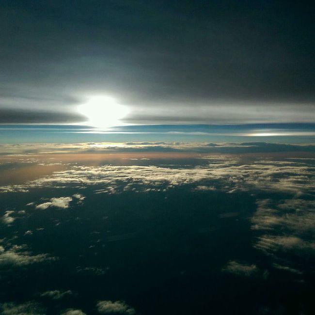 High Flyer Cloudporn Oneography Sunset #sun #clouds #skylovers #sky #nature #beautifulinnature #naturalbeauty Photography Landscape [