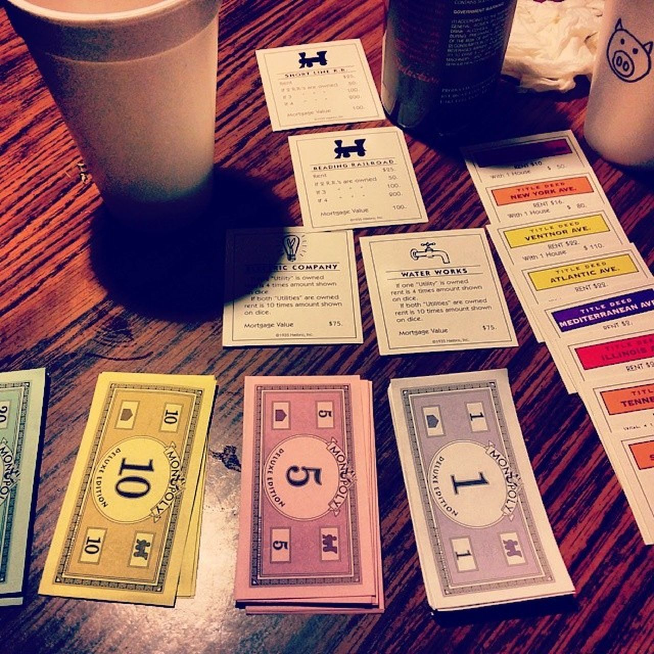 Monopoly & wine. Games Monopoly Money Android note3 indoors wine