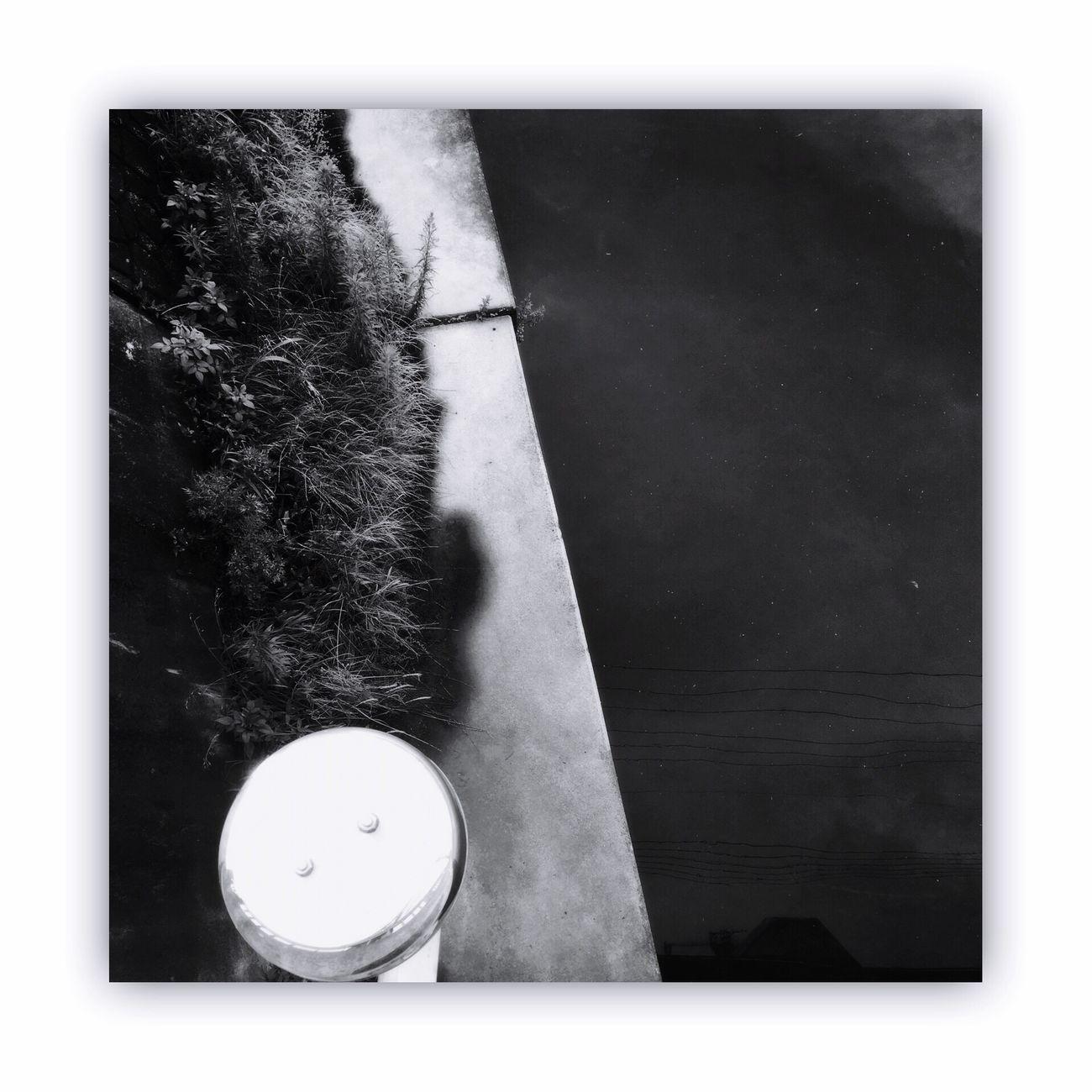 川を橋の上から撮る。 I Took The Rivers From On The Bridge River Bridge Monochrome Light And Shadow Blackandwhite Monochrome_life