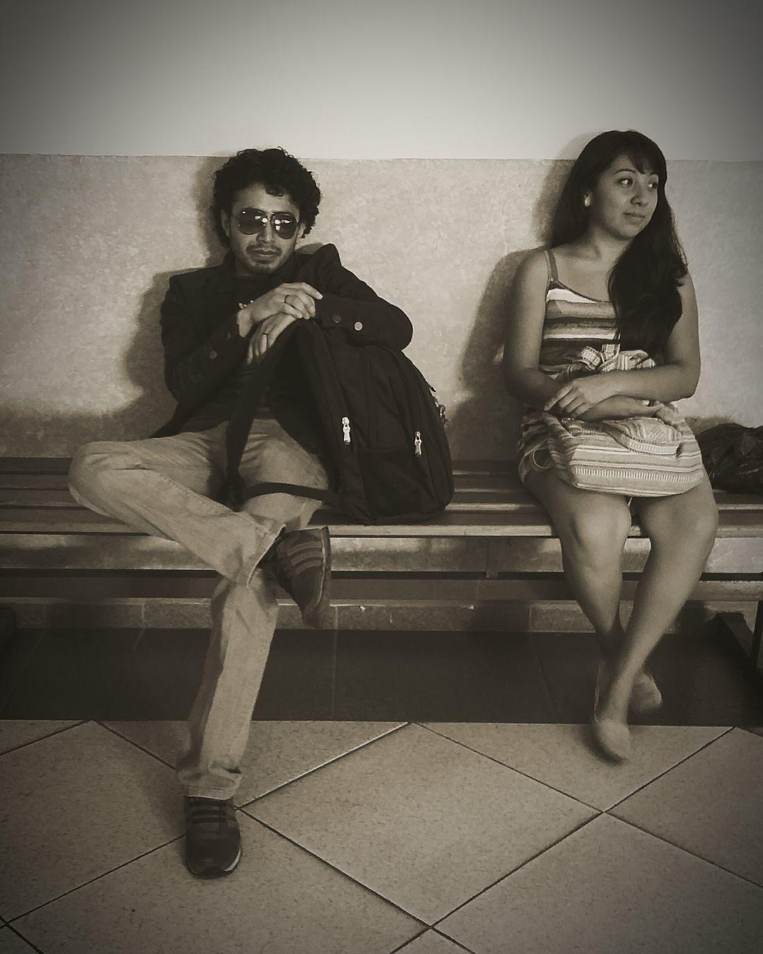 En la espera del tren!? Jajajajaja😆🙋🙌 Class