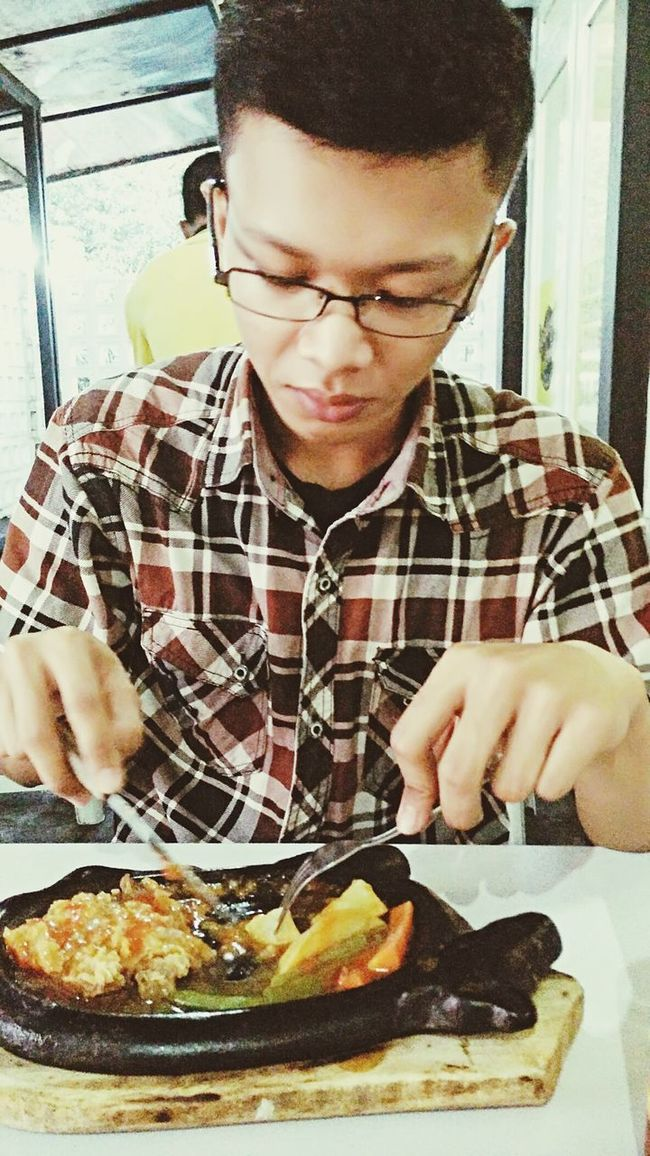 Hahaha... I didn't know, but thank you for taking my photos. Dinner Steak So Juicy Meat Today's Hot Look Soamazing It's Me.