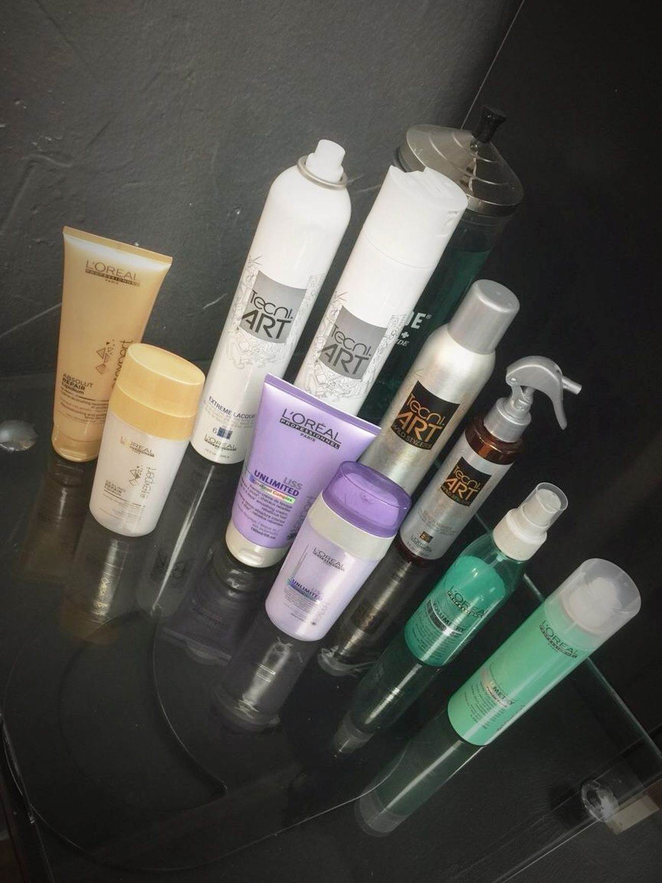We love our L'Oreal Professionnel & New Styling Line Tecni.Art @znevaehsalon Check This Out Eye4photography # Photooftheday Z Nevaeh Salon L'Oreal Professionnel HairProducts Tecni.art Hairtrends TRENDING  Hair Salonlife