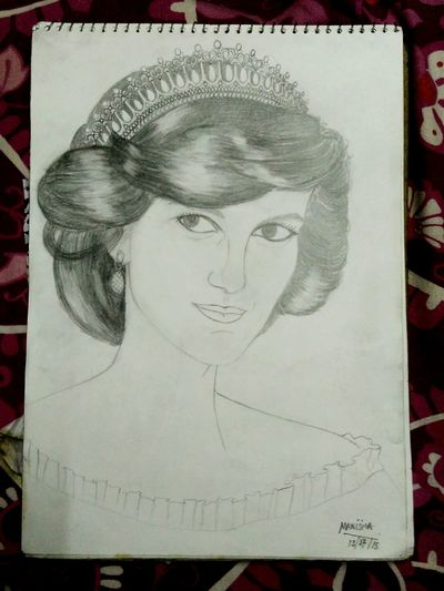 Pricess Daina drawn by my sis Check This Out Taking Photos Frame It! Art, Drawing, Creativity Hidden Beauty Portrait The Portraitist - 2015 EyeEm Awards