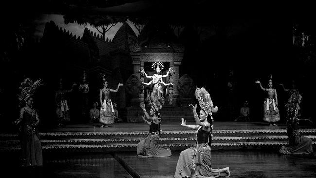 Performance Traditional Dance of Thailand