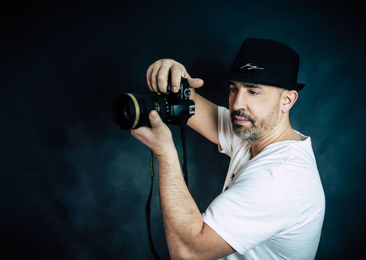 mode photographer Photographer Mode Mode Photography Germany EyeEm Selects One Man Only Only Men One Person Adults Only Adult People Holding Indoors  Headshot Arts Culture And Entertainment Portrait Men Lifestyles