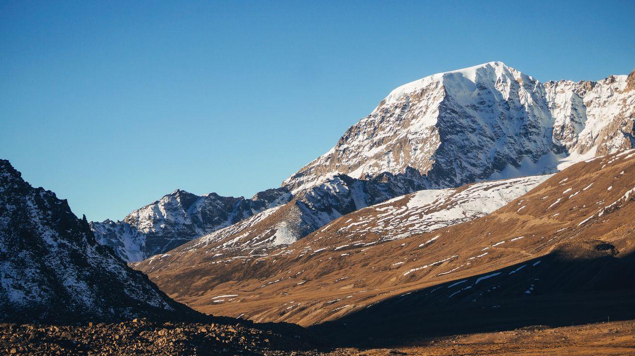 long Journey to one of the 2nd highest mountain in the planet. Landscape Mountain Range Mountain Mountain Peak Sky Snow No People Nikonphotography Nikond3300 Snowcapped Mountain Natgeotravelindia Sikkim,india Himalayas Bestofindia
