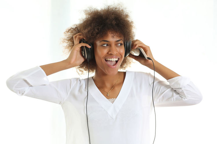 African Beauty American Casual Clothing Electronics  Front View Headphones Leisure Activity Lifestyles Music Portrait