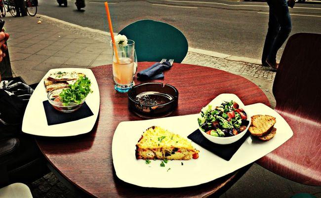 Vegan Food Hanging Out With The Dudettes Unterwegs Mit Der Lederberockten Lieblingskollegin