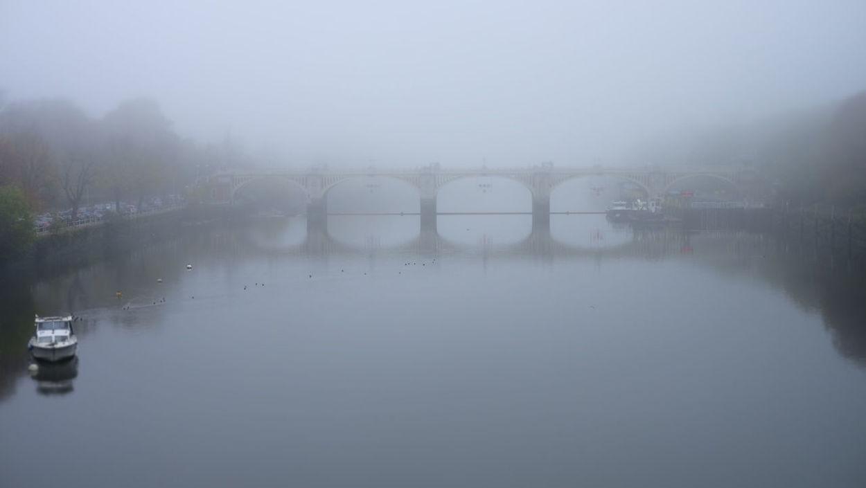 Bridge Day Outdoors Selective Focus Tranquility Twickenham Bridge Waterfront Weather Winter Is Coming