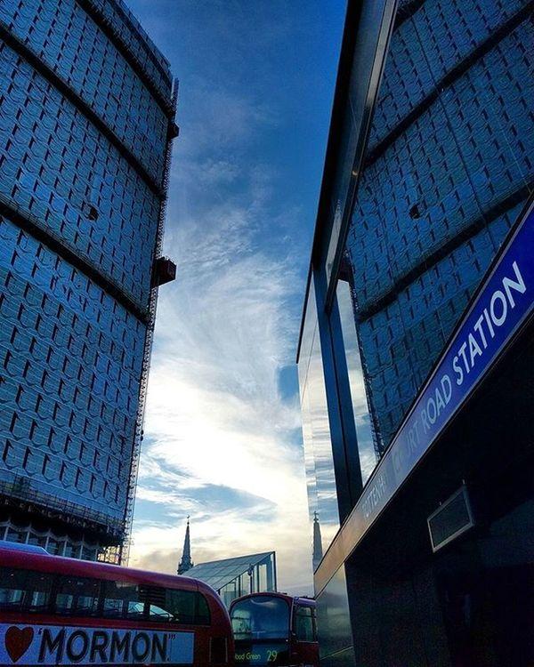 Cieli immensi 🌁🚇🌈 (I❤Mormon | ILoveMormon ) Itwasmeonthatroad Showmethestreet London_is Igerslondon Igersuk Igersengland Maybeldner Cityoflondon Thisislondon ILoveLondon Visitlondon Lovegreatbritain Timeoutlondon Toplondonphoto London4all Ig_london Ig_england Ig_uk Iglondon Prettylittlelondon Prettycitylondon Londonpop London_city_photo london_only shutup_London loves_london londonforyou thelondonlifeinc