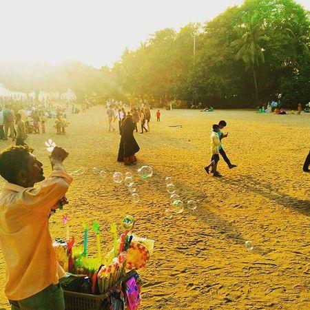 Childhood fun....rainbow bubbles... Mumbaiphotography Rainbow Soapbubbles Streetphotography @streets.of.india @streets.of.mumbai @streetphotographyindia @photographers_of_india @iglobalphotographers @igramming_india The Great Outdoors - 2016 EyeEm Awards The Street Photographer - 2016 EyeEm Awards The People Of Ocean