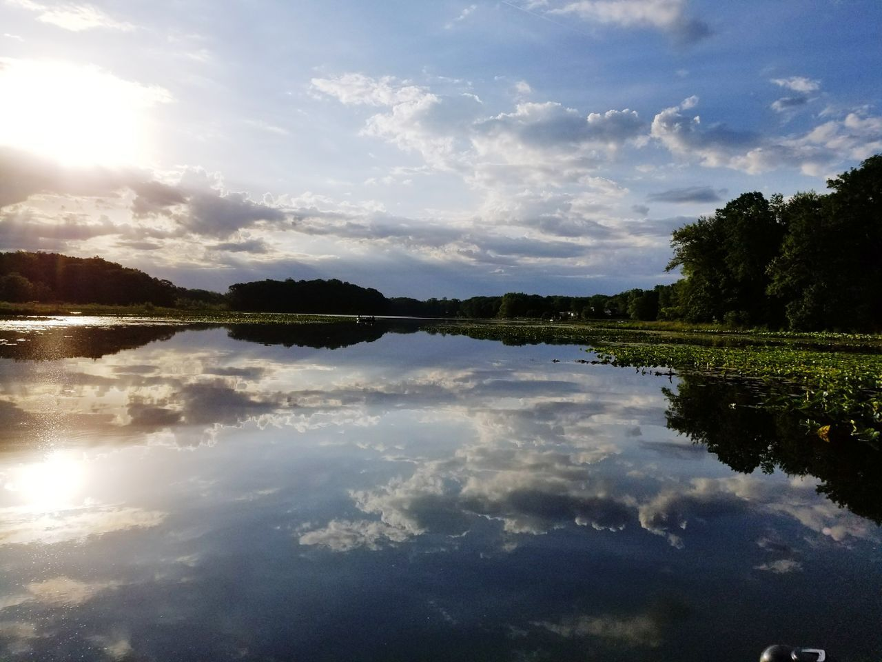 reflection, sky, water, cloud - sky, nature, beauty in nature, tranquil scene, tranquility, scenics, outdoors, tree, no people, waterfront, lake, sunlight, day