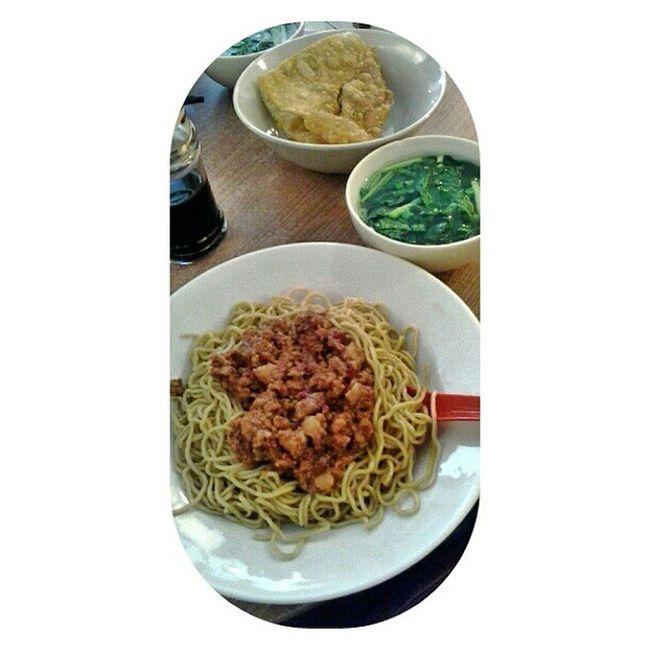 Hot Pork Noodle Aloi Sofialee21