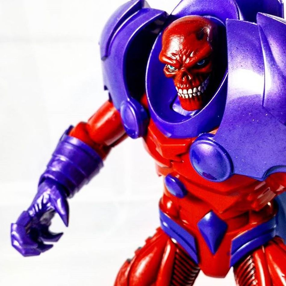 Red Onslaught RedSkull Redonslaught Axis Marvel Marvellegends Marvelcomics Toys Toyphotography Toypizza Toysarehellasick Toycollector Toycommunity Toycollection Thefigureverse Ata_dreadnoughts ATA_MARVEL ACBA Acbafam Articulatedcomicbookart