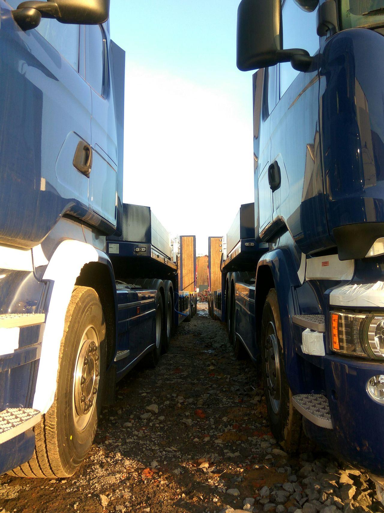 Transportation Sky Outdoors No People Day Trucks Trailers Ramps Vehicle Haulage Semi-truck Semi Trailer