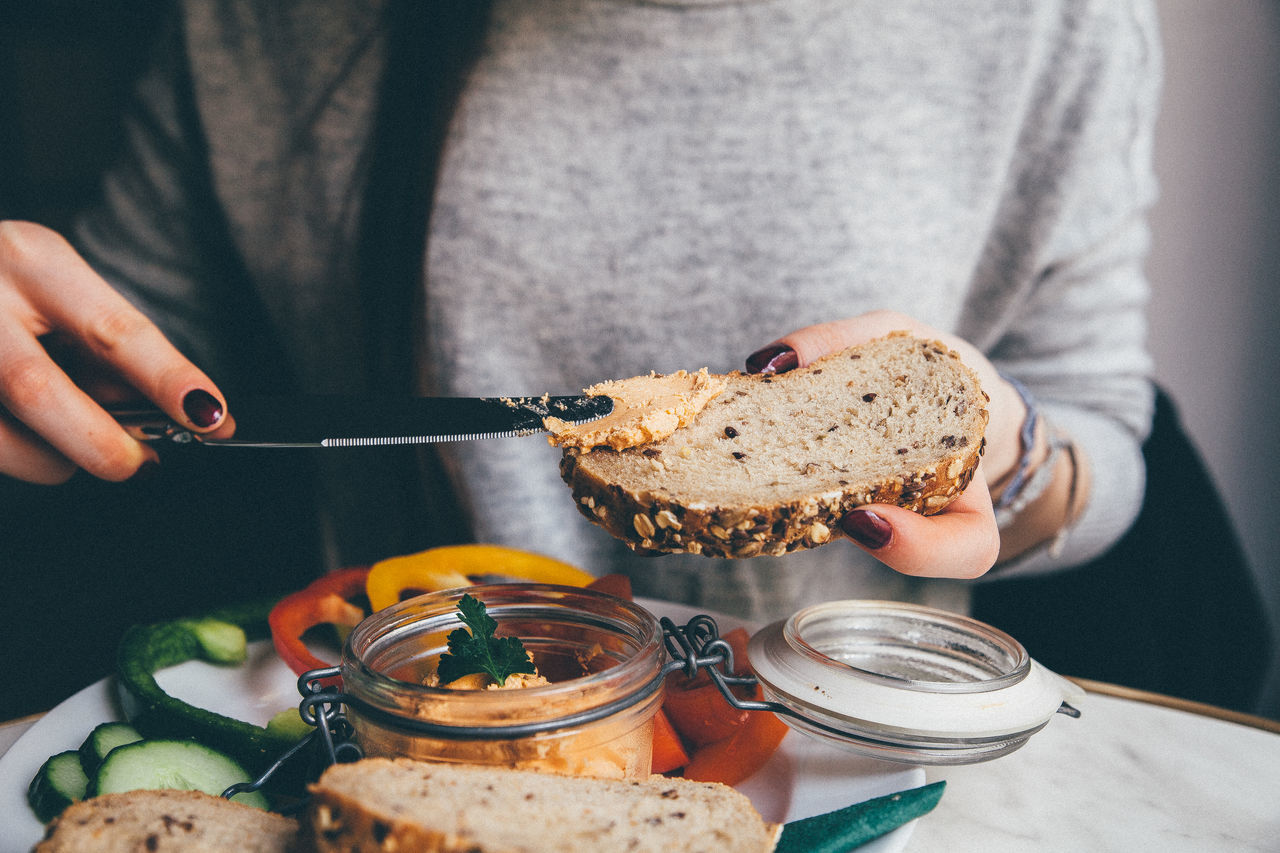 Bistro Bread Breakfast Eating Food Healthy Eating Holding Lifestyles Person Ready-to-eat Vegan