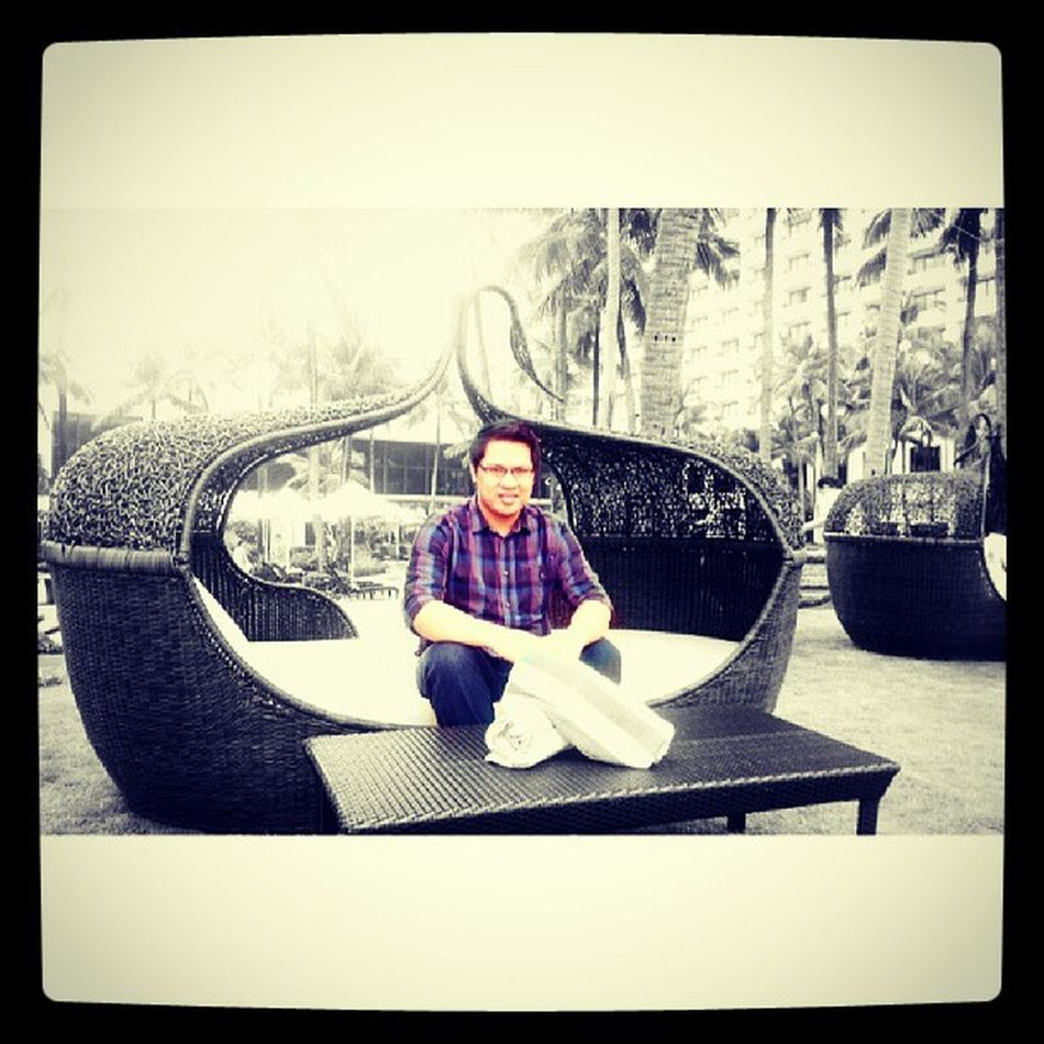 Chillin' at Sofitel.... Throwback Sofitel Sofitelmanila Splash travelphilippines luxuryhotel discoverphilippines pinoy filipino
