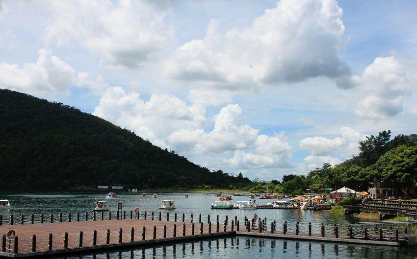 Nice stroll along the Liyu tan in hualien, taiwan 鲤鱼潭. Scenic Travel Photography Travel Beautiful Taiwan Landscape Mountain View Lake View Hualien, Taiwan Hualien Endlessness
