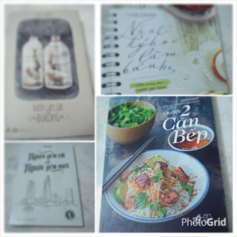 Này thì hội sách, mua được cuốn sách đầu tiên của 2 chị @anhsfood và @doortomykitchen mừng hết lớn Chuyen2canbep Nhatkyhoclambanh Nguoiyeucuconguoiyeumoi Buonlamsaobuong hoisach