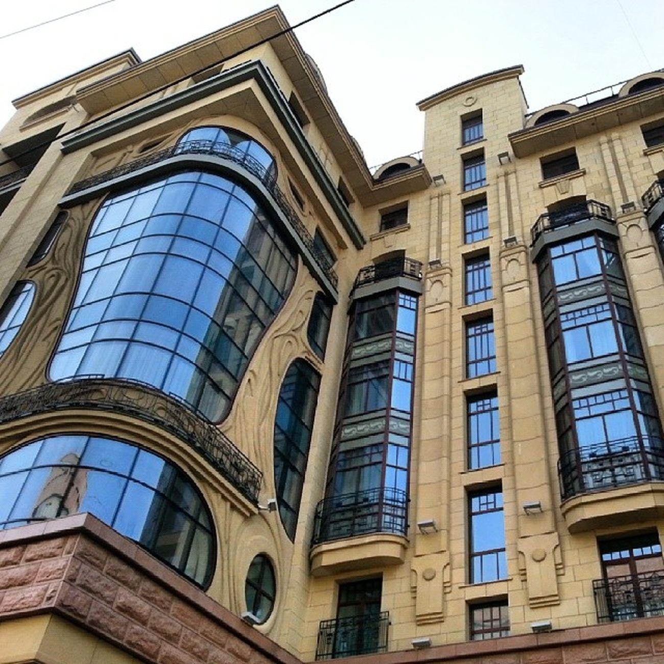 2014 -03-22, Новосибирск , улицаМичурина . гостиница Marriott. Окна/ Novosibirsk. Hotel Marriott. Windows.