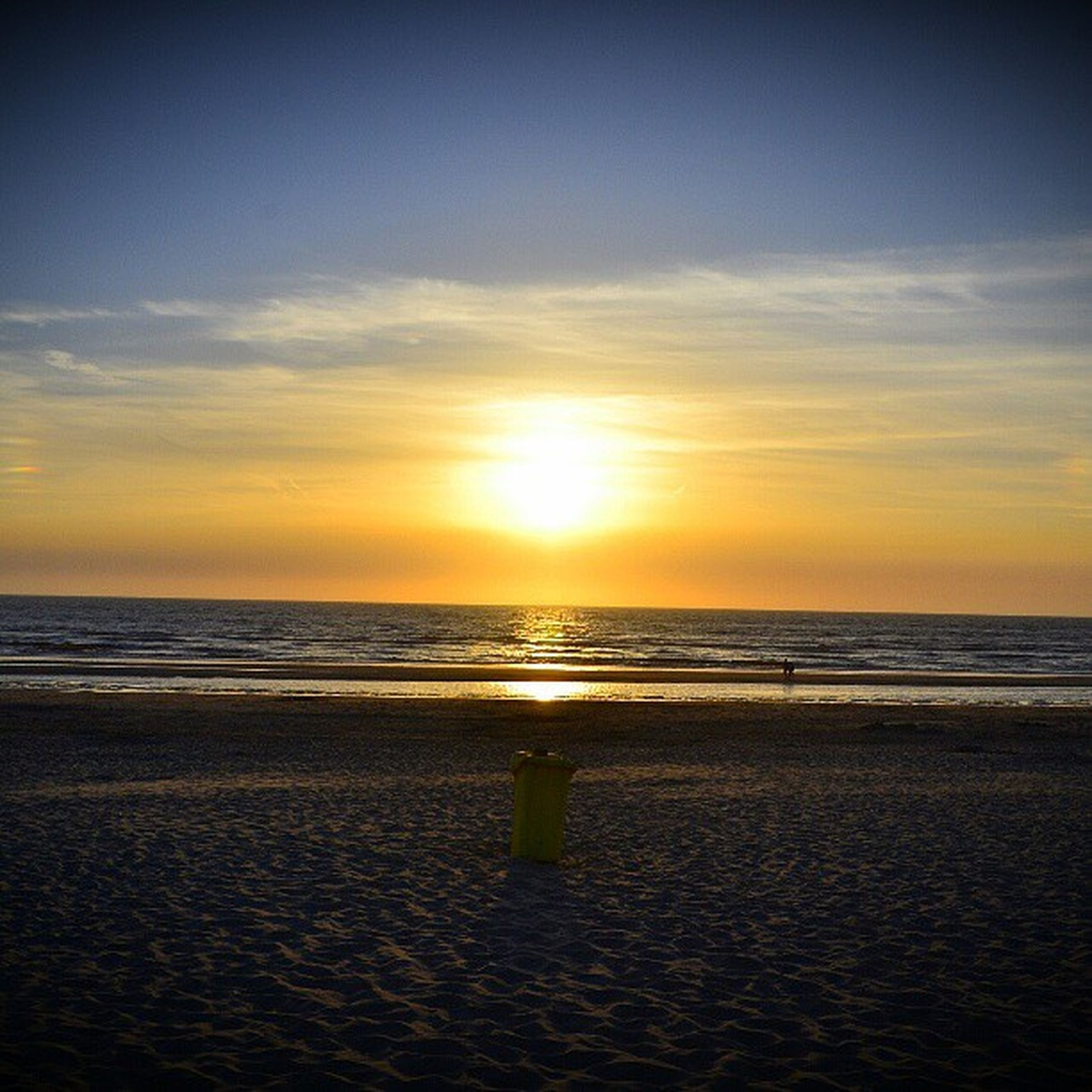 horizon over water, sea, beach, sunset, shore, water, scenics, sun, sky, tranquil scene, beauty in nature, orange color, tranquility, sand, idyllic, wave, nature, cloud - sky, sunlight, cloud
