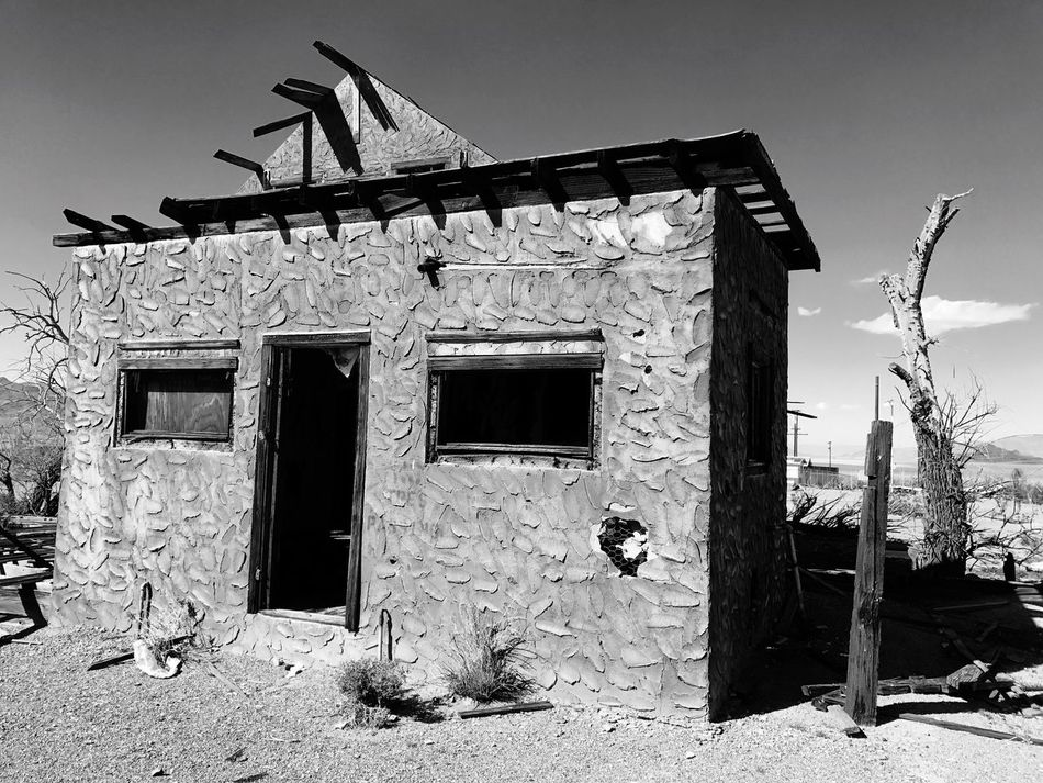 """Deadwood"" An abandoned building on historic Route 66 in the ghost town of Ludlow, California rests in decay. Architecture California Mojave Desert Abandoned Buildings Travel Photography Route 66 Abandoned & Derelict Abandoned Places Old Buildings Deadwood"