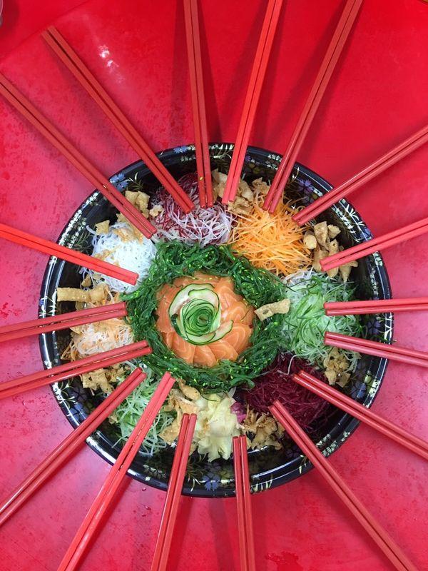 恭禧你嘅發財 South East Asia Chinese Lunar New Year Tradition Japanese Style Prosperity Toss 東南亞 華裔 春節 傳統 日式 七彩魚生 撈生 撈禧 Chopsticks Auspicious Abundance Wealth Luck Treasures Progression  Felicity Festive Asian  Food