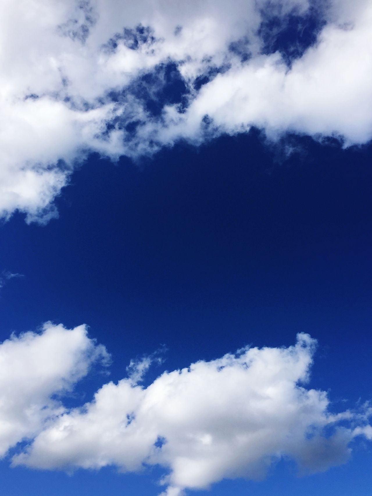 Sky Cloud - Sky Nature Tranquility Scenics Beauty In Nature Himmel Und Wolken Blauer Himmel Wolken Weiße Wolken Und Blauer Himmel Sommer Wetter Blue Backgrounds No People Cloudscape Fluffy Cumulus Cloud Day Sky Only Idyllic Tranquil Scene Heaven Outdoors