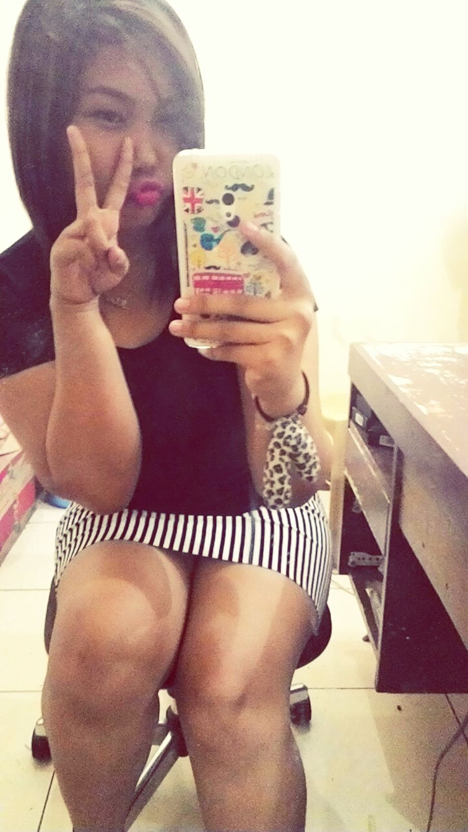 Selfie Time Mirrorselfie Signpose Peace!