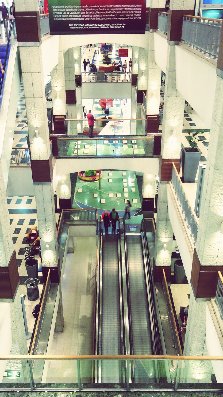My Smartphone Life Shopping Relaxing From My Point Of View Learn & Shoot: Balancing Elements