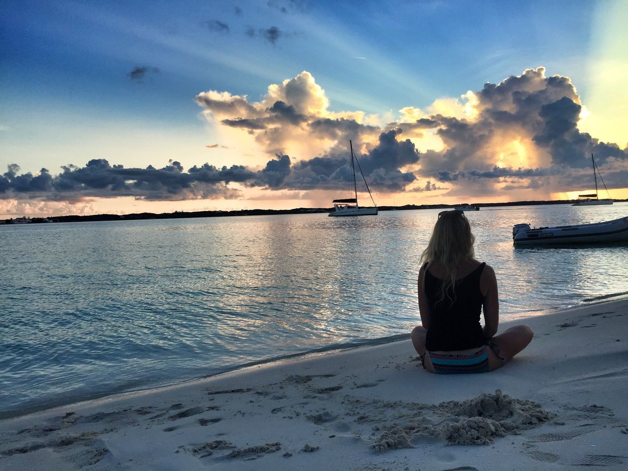 Bahamas Nassau, Bahamas Sunset Sea Sand Island Light And Shadow