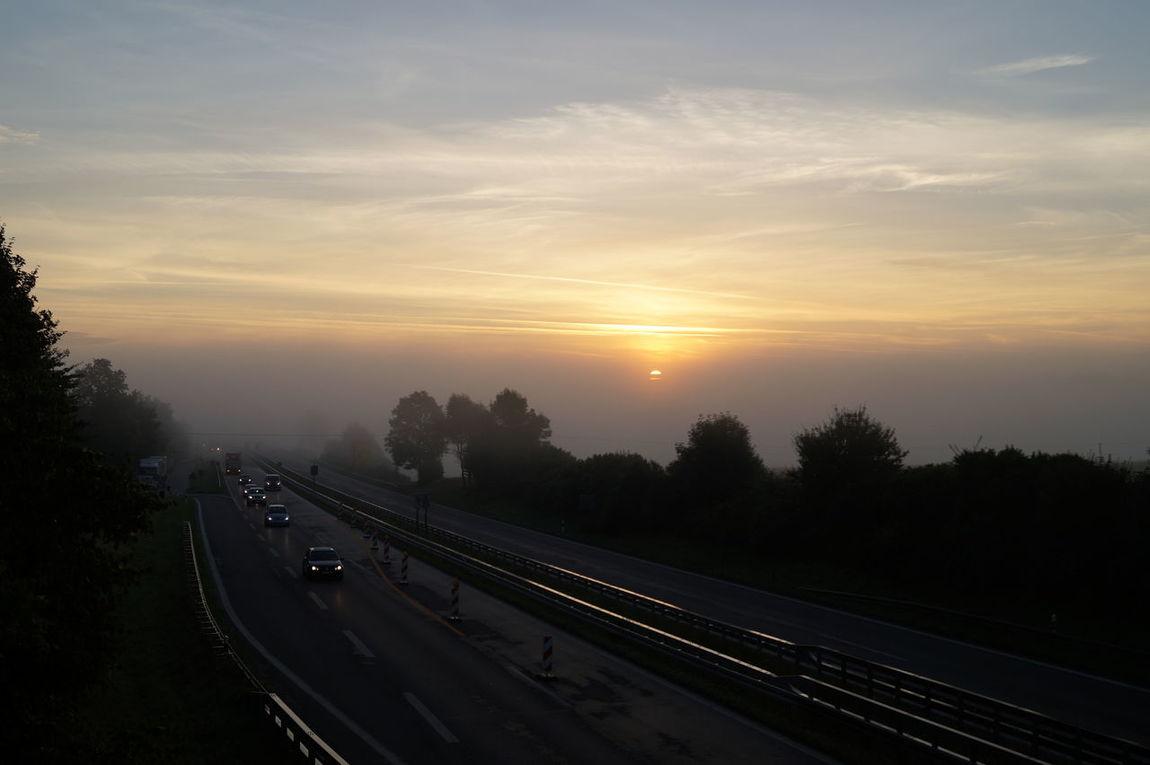 Autostrada Autobahnbaustelle Highway Colorphotography Autobahn Sonnenaufgang Sommer Summertime In Deiner Nähe Nebel auf B30 bei Achstetten in den Sommerferien Sonya58