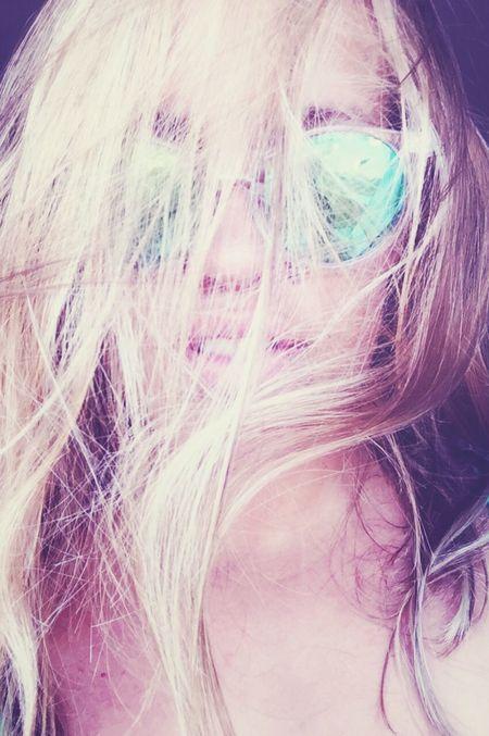 I've got a new sunglasses Blonde Beautiful Girl Sunglasses Misshamptons Summer SelfportraitHello World Lips ♡