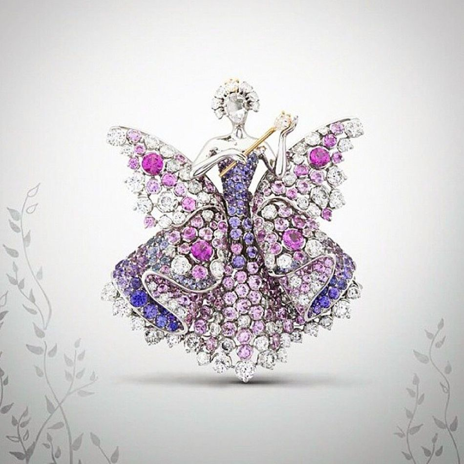 Peri masallarina inananlara gelsin!🙏👸🎇 Güzel perilerle guzumuz guzel gecsin! Brooch Jewelrylovers Jewelblog Jewelryporn Diamond Amazing Jewellery Colors Jewelry Loveit Beautiful Luxury Diamond Fashion Moda Gorgeous Fashionista Paris Jewelleryaddict Vancleefandarpels VCApeaudane Highjewelery Fairytale  Hautejoaillerie Charlesperrault instagramturkiye turkishfollowersbiennaledesantiquaires
