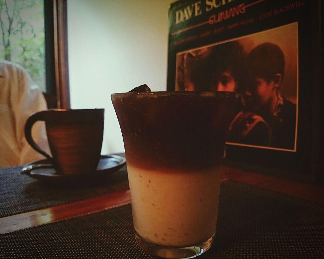 主人の先輩のお別れに、一緒に稲取へやって来ました。言葉少なに、slow jazzyな昼下がりです。 古民家cafe Izu Inatori