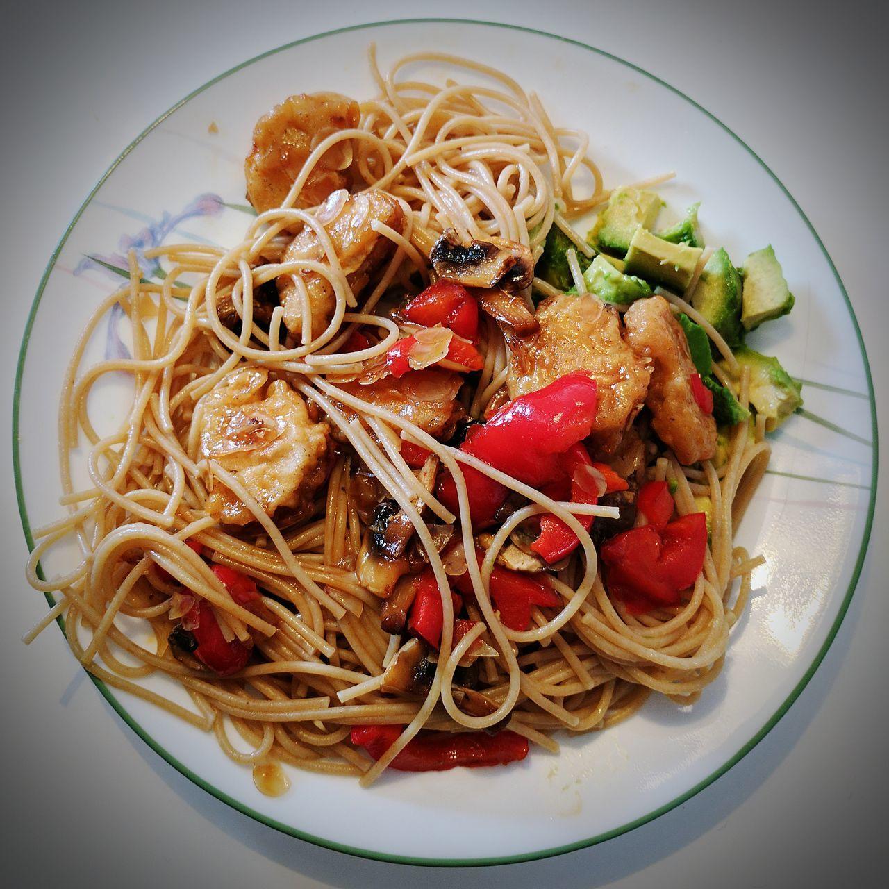 Veganúar - Veganuary. Food Freshness Healthy Eating Close-up Plate Veganfood Vegan Veganism Veganuary Veganúar Avocado Gardein Mushrooms Spaghetti <3 Almond