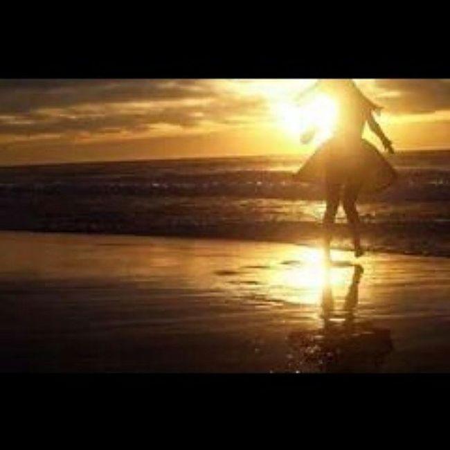 ' Liberdade é o vento ondeando os cabelos numa praia paradisíaca .! ' 😍☀🍀♥ Alémdohorizonte Praia Solouchuva Mar nature pordosol boanoite