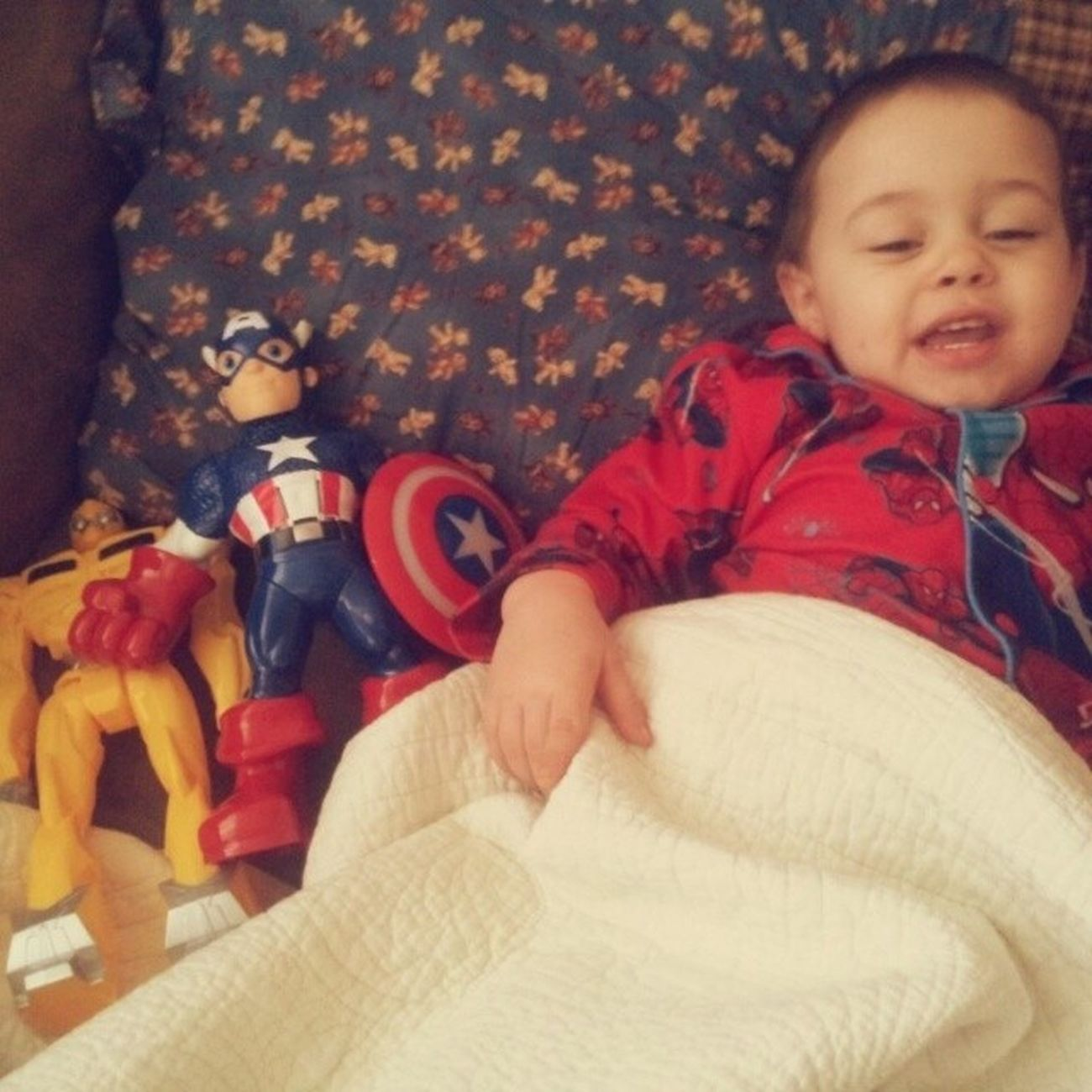 Sick day with Captianamerica & Bumblebee