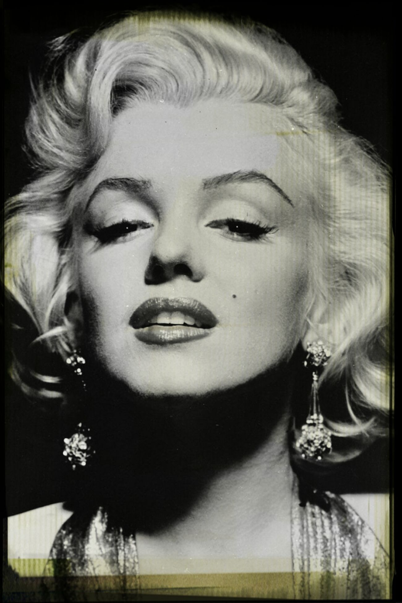 """MARILYN MONROE ♡♥♡♥ """"Keep Smiling, Because Life Is A Beautiful Thing And There's So Much To Smile About."""" ― Marilyn Monroe Smile ♥ Marilyn Monroe <3"""